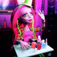 Diorama - Marisol's making manicure