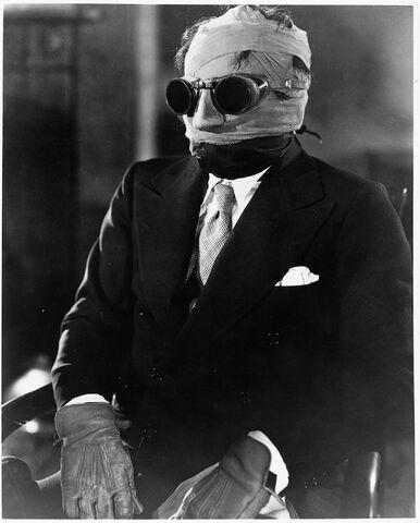 File:1933 InvisibleMan img15.jpg