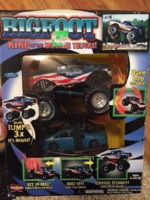 Bigfoot-monster-truck-toy-2003 1 b8f04df2ccecd5834a7d204a3518222a