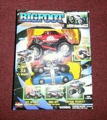 Bigfoot-mac-tools-monster-truck-toy 1 dc69ae90832d5d4609d954987d28da15