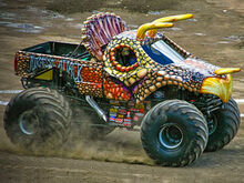 Jurrasic-attack-monster-truck