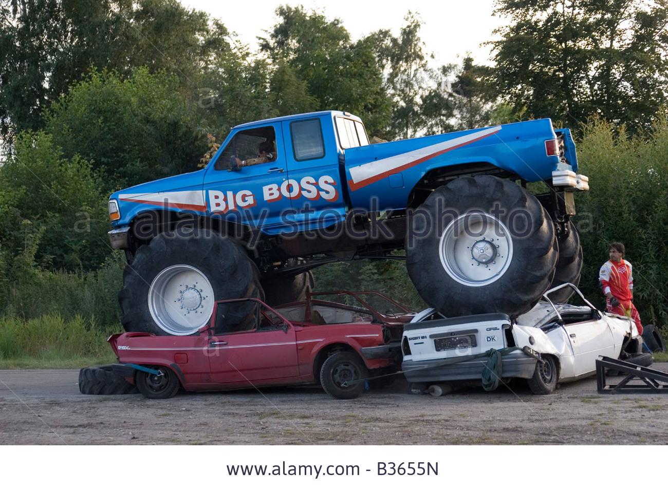 Image Big Boss Monster Truck Crushing Cars Jpg Monster