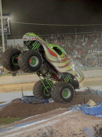 File:Monster-truck-show-9311768.jpg