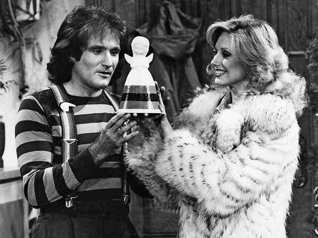 File:Mork's First Christmas Robin Williams Pam Morgan Fairchild.jpg