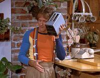 Mork & Mindy 103 Mork Moves In - Robin Williams
