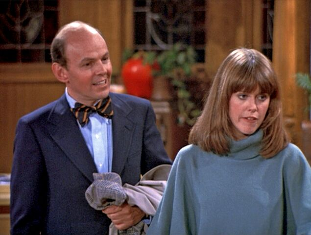 File:Mork & Mindy 02 Mork Moves In - Conrad Janis & Pam Dawber.jpg