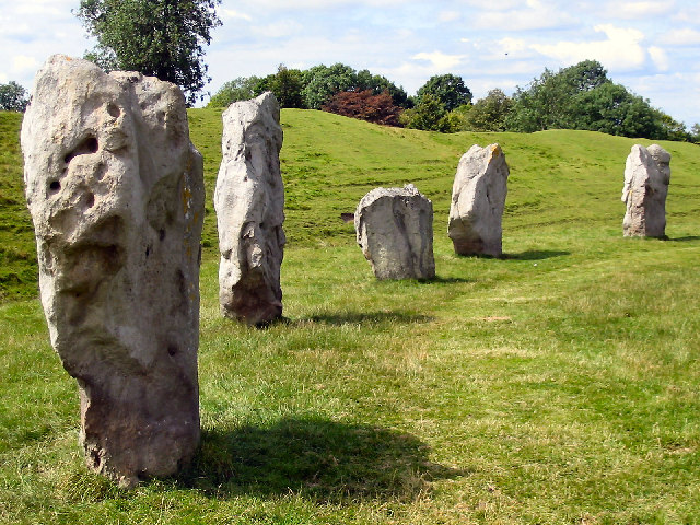 File:Some of the Avebury Stones.jpg