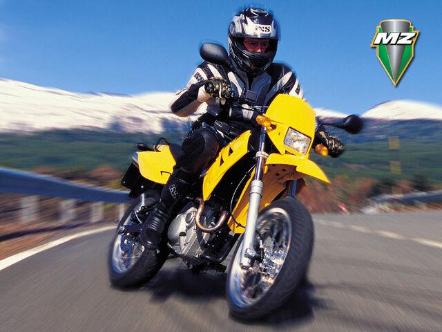 Datei:Mz 125 sm sportbike.jpg