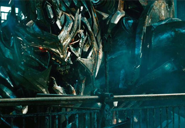 File:RiffTrax- Hugo Weaving in Transformers 2.jpg