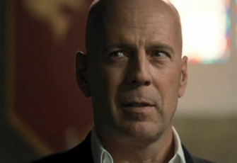 File:RiffTrax Presents- Bruce Willis in The Expendables.jpg