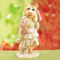 Lenox-The-Divine-Miss-Piggy-Figurine-2006