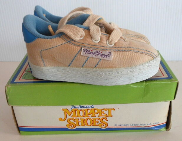 File:Keds 1982 miss piggy sneakers 7.jpg