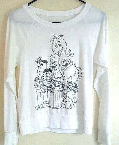File:Forever 21 shirt black white.jpg
