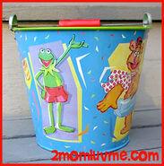 Schylling 1997 tin bucket 1