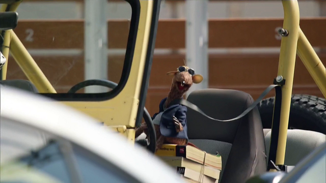 File:TheMuppets-S01E05-RizzoDriving.png