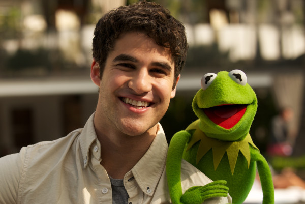 File:Darren criss and kermit.jpg