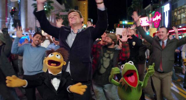 File:Muppets2011Trailer01-1920 56.jpg