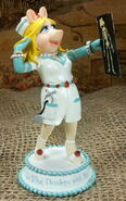 Nurses are so stylish piggy figurine hamilton colleciton