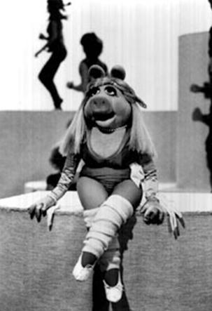 File:Miss piggy work out.jpg