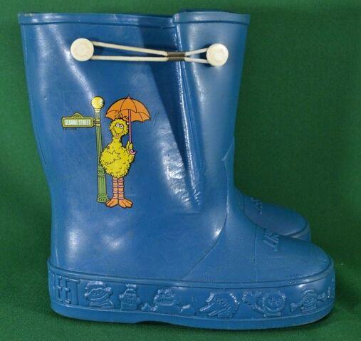 File:Sesame big bird rain boots 1.jpg