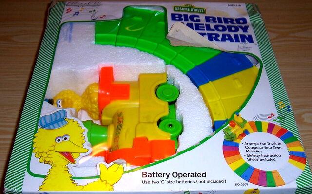 File:Lewco 1986 big bird melody train 1.jpg