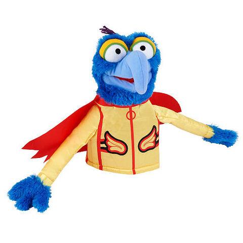 File:ToysRUs-2014-FAOSchwarz-Puppet-Gonzo.jpg