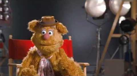 "Disney's ""The Muppets"" Sneak Peek - Meet Fozzie Bear"