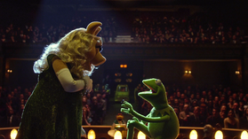 MuppetsMostWanted-Constantine-Piggy-Proposal