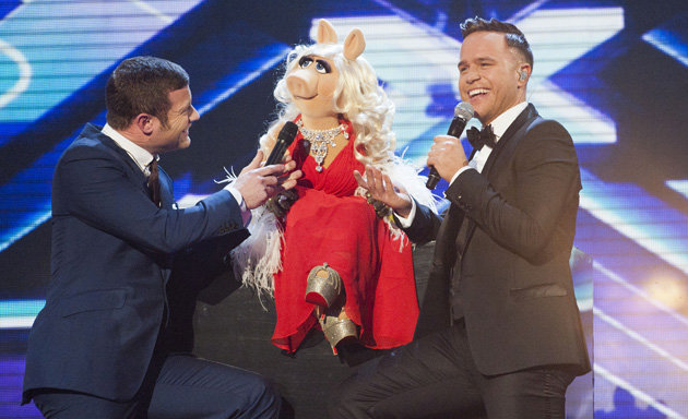 File:X-Factor-week-results-Olly-Murs-Miss-Piggy 213837.jpg