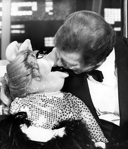 File:Roger Moore open mouth kiss Piggy.jpg