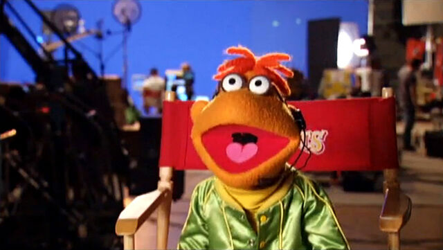 File:TheMuppets-Behind-The-Scenes-Interviews-Scooter.jpg