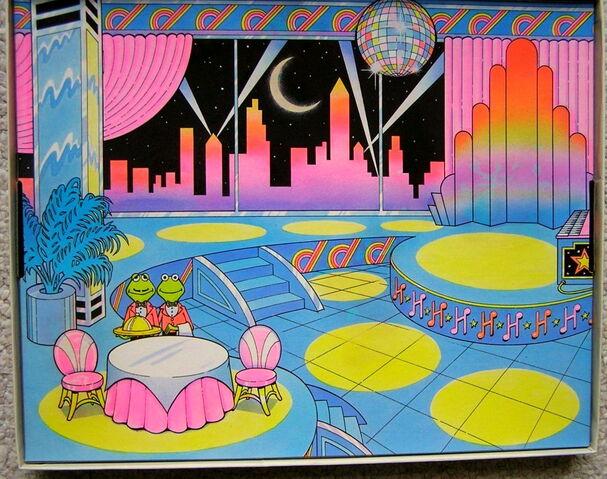 File:Colorforms 1981 kermit piggy dream date play set 3.jpg