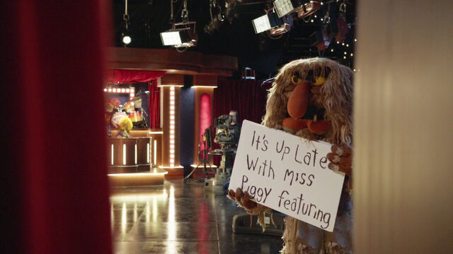 File:Up Late with Miss Piggy - cue cards.jpg