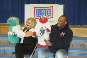 USO-Elmo&RositaEducationTour-Germany2010-Sesame Day2 3