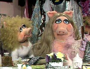 302 annie in piggy's dressing room