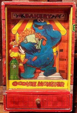 File:Gorham cookie monster dancing trinket shadow box 3.jpg