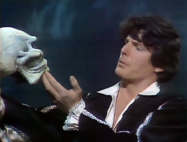 File:Reeve Hamlet.jpg