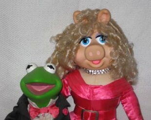 Presents kermit piggy 1