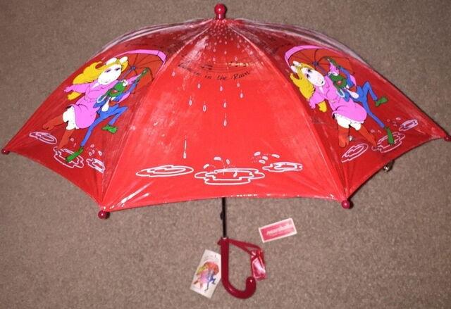 File:1981 umbrella rain 1.jpg
