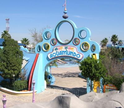 File:Parque-plaza-sesamo-aquamundo.jpg