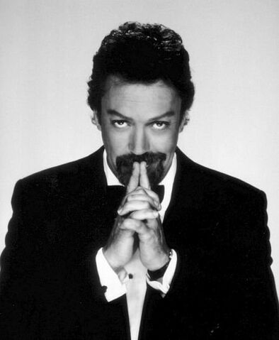 File:TimCurry-BW.jpg
