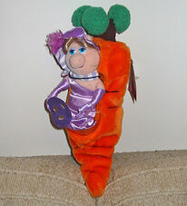 Miss-Piggy-In-A-Carrot