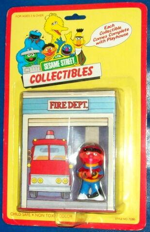 File:Taratoy-playhouse.jpg