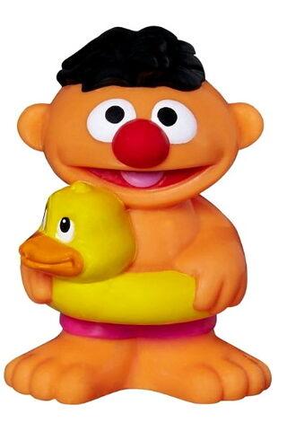 File:Playskool 2015 bath squirters ernie.jpg
