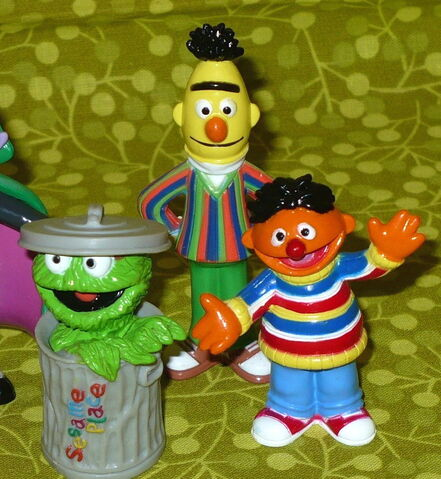 File:Sesame place 2007 pvc figures set 2.jpg