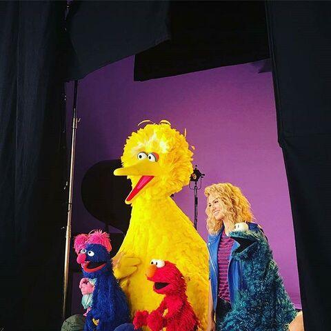 File:ToriKelly-Sesame.jpg