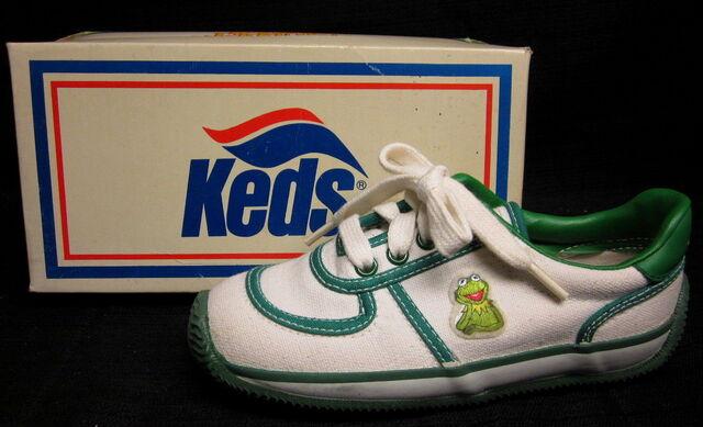 File:Keds kermit racer shoes 1.jpg