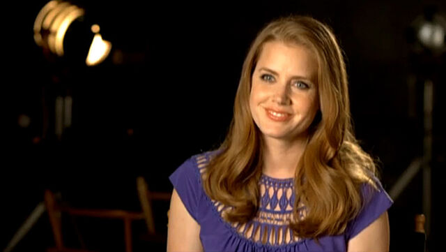 File:TheMuppets-Behind-The-Scenes-Interviews-AmyAdams.jpg