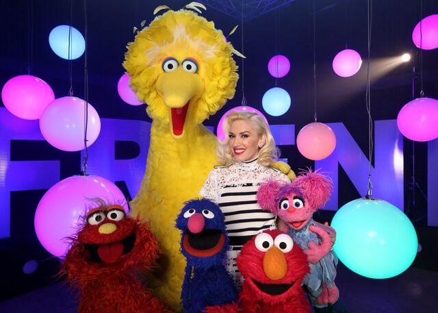File:Gwen stefani muppets.jpg