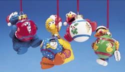 File:Kurt Adler holding christmas balls.jpg